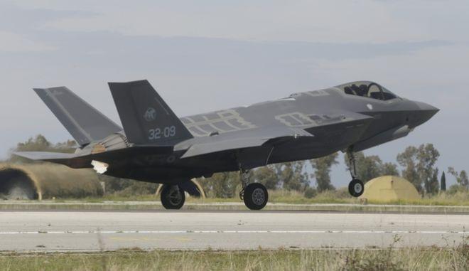 """Ιταλικό μαχητικό F-35 στην αεροπορική βάση της Ανδραβίδας στην διάρκεια της άσκησης """"Ηνίοχος 2019"""""""