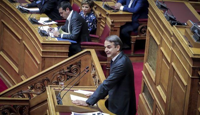 Συζήτηση επικαίρης ερώτησης του προέδρου της ΝΔ Κ. Μητσοτάκη για την ανομία στα ΑΕΙ στην Ώρα του Πρωθυπουργού