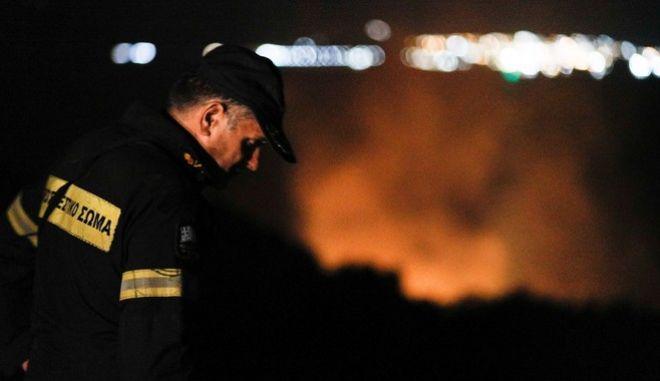 Πυροσβέστης (φωτογραφία αρχείου)