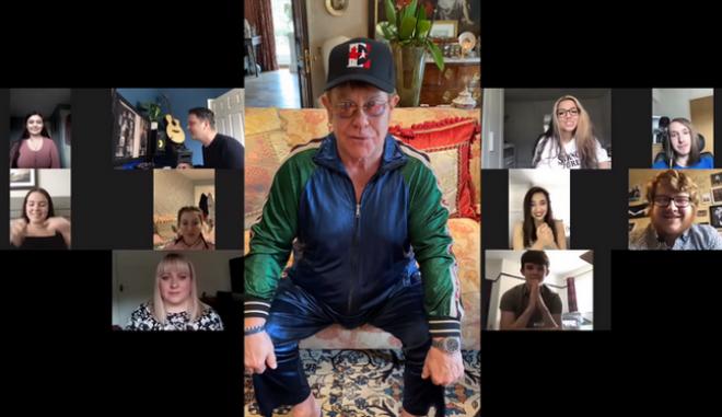 Ο Έλτον Τζον αποθεώνει μαθητές που διασκεύασαν τραγούδι του