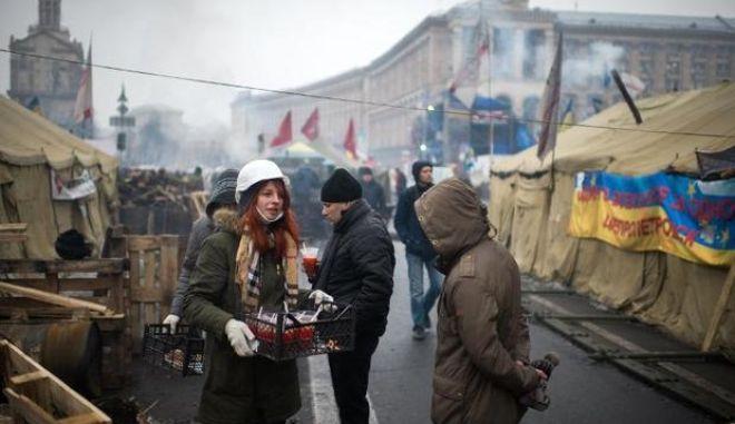 Περίπου 70.000 διαδηλωτές στο κέντρο του Κιέβου