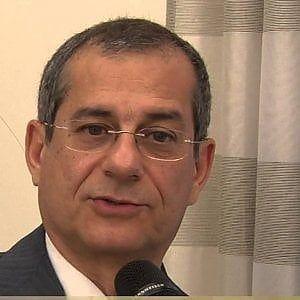 Η νέα πρόταση των δύο κομματικών σχηματισμών για το υπουργείο Οικονομικών, ο καθηγητής Τζιοβάνι Τρία