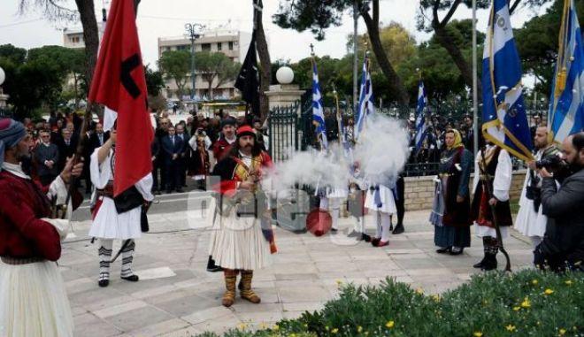 Απίστευτο: Πυροβόλησε με καρυοφίλι φωτογράφο στην παρέλαση στο Αίγιο