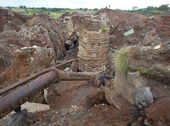 Το ορυχείο του Σινκολόμπουε τον Απρίλιο του 2004