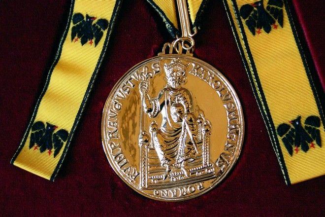 Στον Πάπα Φραγκίσκο απονέμεται το Βραβείο του Καρλομάγνου