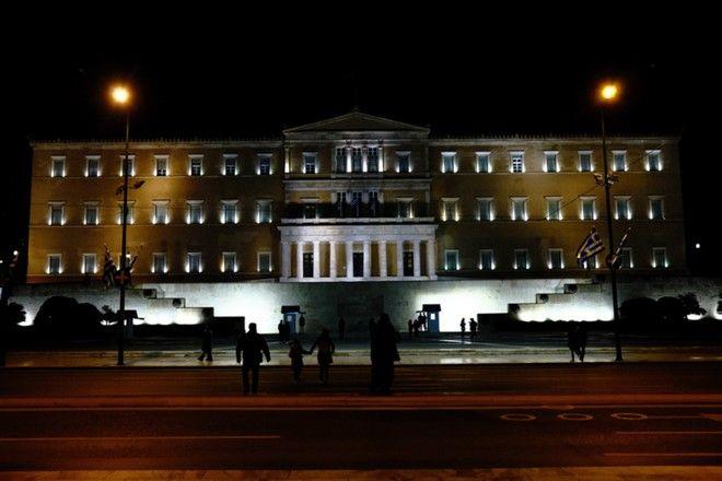 Ώρα της Γης 2021: Εντυπωσιακές εικόνες - Η Ελλάδα έστειλε ηχηρό μήνυμα για το περιβάλλον