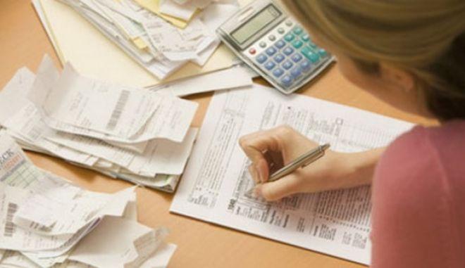 Οι αλλαγές στους φόρους για 1 εκατ. επαγγελματίες