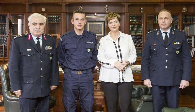 Συγχαρητήρια από την φυσική και πολιτική ηγεσία της ΕΛ.ΑΣ. σε αστυνομικό που έσωσε την ζωή ανήλικου σε τροχαίο