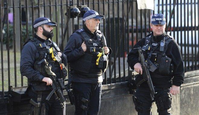 Δυνάμεις της βρετανικής αστυνομίας στο Λονδίνο