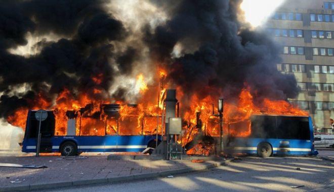 Στοκχόλμη: Εξερράγη λεωφορείο στο κέντρο της πόλης