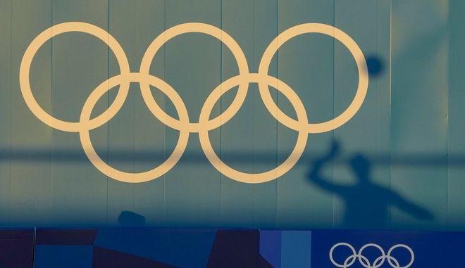 Ολυμπιακοί Αγώνες: Αθλητές έσπασαν το πρωτόκολλο, κατανάλωσαν αλκοόλ και κινδυνεύουν με τιμωρία