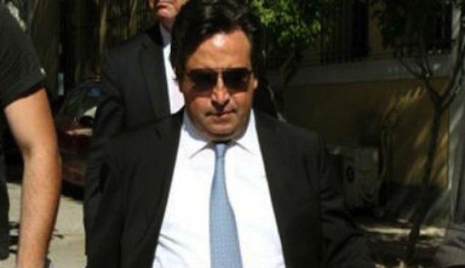 Παραδόθηκε στις Αρχές καταζητούμενος συνεργάτης του Ρέστη