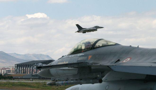 Turkish airforce - φωτογραφία αρχείου