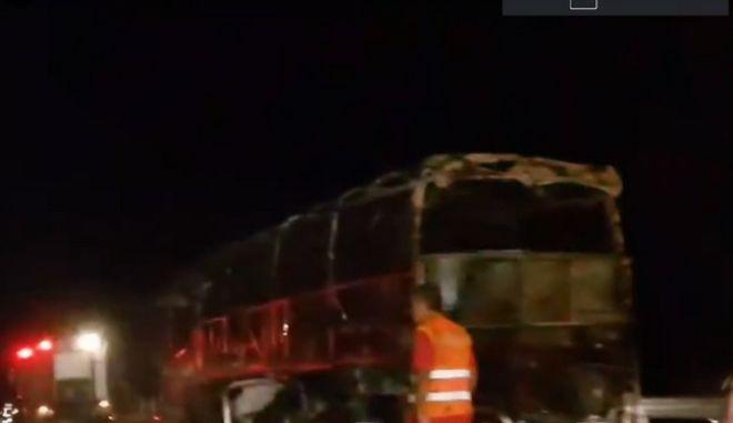 Λεωφορείο με 29 επιβάτες πήρε φωτιά στην Αθηνών - Λαμίας