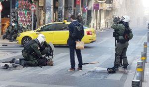 Επεισόδια μεταξύ αστυνομίας και αντιεξουσιαστών κοντά στην ΑΣΟΕΕ