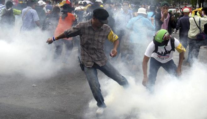 Βίαιες συγκρούσεις στην Ταϊλάνδη