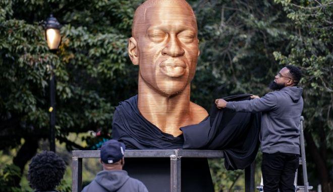 Το άγαλμα του Φλόιντ