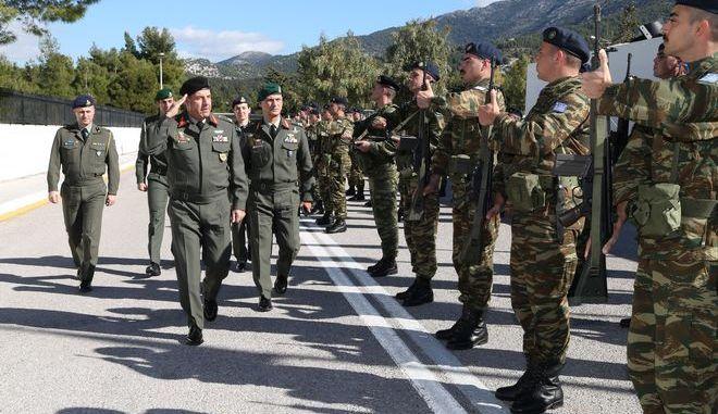 Επίσκεψη Αρχηγού ΓΕΣ στο στρατηγείο της ΑΣΔΕΝ