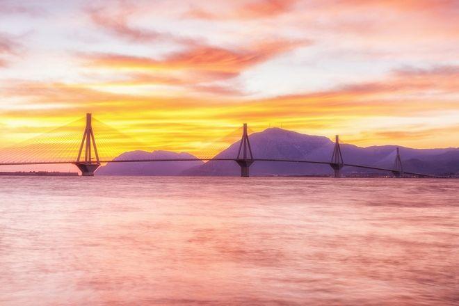 Η Βικτόρια Χίσλοπ μετά το Νησί στέλνει καρτ ποστάλ από την Πάτρα