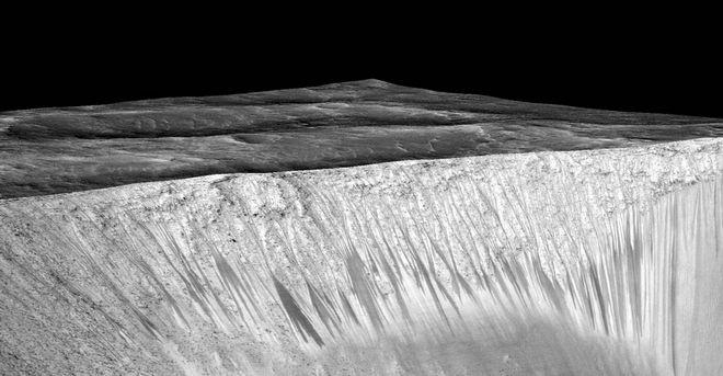 Όλες οι φορές που είδαμε ζωή στον Άρη. Η θεωρία της πανσπερμίας και το κόκκινο Στόουνχεντζ