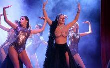 Μαρία Κορινθίου: Το διάφανο φόρεμα που προκάλεσε σάλο και γιατί 'διορθώθηκε'