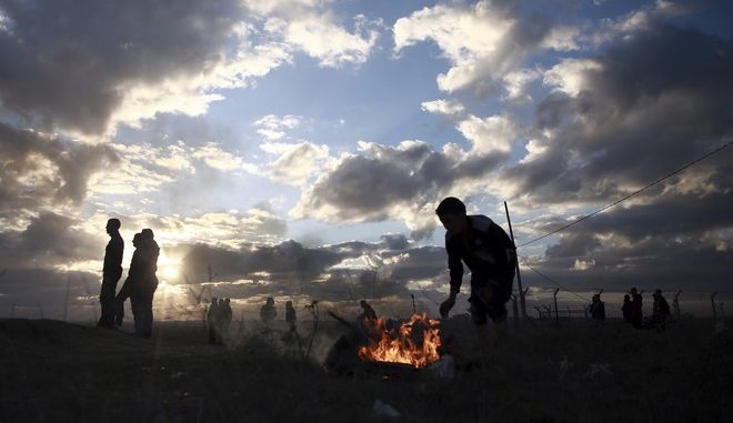 Palestinian protesters clash with Israeli soldiers on the Israeli border with Gaza, Thursday, Dec. 7, 2017. A number of U.S. allies in the Middle East are condemning the Trump administrations decision to recognize Jerusalem as the capital of Israel, with the United Arab Emirates, Kuwait, Qatar and Saudi Arabia urging Washington to reconsider and reverse the announcement. (AP Photo/ Khalil Hamra)