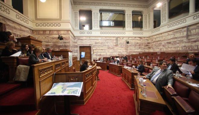 Κοινή συνεδρίαση της Διαρκούς Επιτροπής Παραγωγής και Εμπορίου και της Ειδικής Μόνιμης Επιτροπής Προστασίας Περιβάλλοντος, με θέμα ημερήσιας διάταξης: Ενημέρωση από τον Υπουργό Περιβάλλοντος, Ενέργειας και Κλιματικής Αλλαγής, κ. Ιωάννη Μανιάτη, σύμφωνα με το άρθρο 36 παρ.5 του Κ.τ.Β., σχετικά με το Νέο Ρυθμιστικό Σχέδιο Αθήνα - Αττική 2021, Τετάρτη 27 Νοε. 2013. (EUROKINISSI/ΑΛΕΞΑΝΔΡΟΣ ΖΩΝΤΑΝΟΣ)