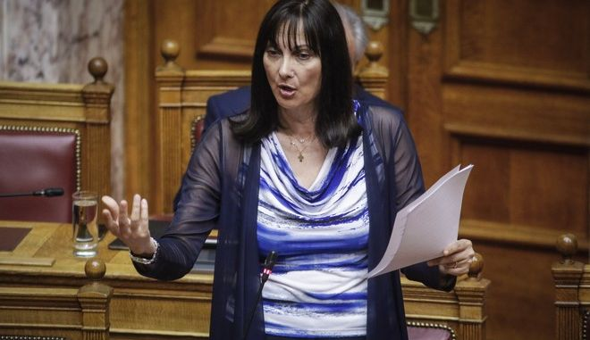 Η υπουργός Τουρισμού, Έλενα Κουντουρά