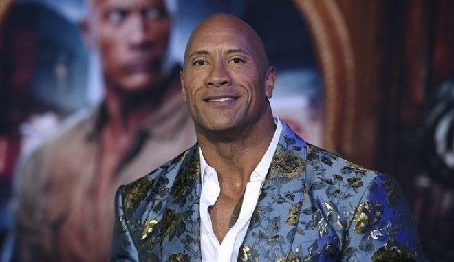 """Ο """"Rock"""" κατεδάφισε την καγκελόπορτα του σπιτιού του επειδή δεν άνοιγε"""