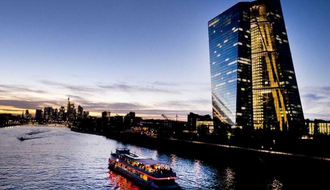To κτίριο της Ερωπαϊκής Κεντρικής Τράπεζας.