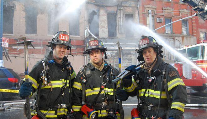 """Νέα Υόρκη: """"Μαϊμού"""" συντάξεις έπαιρναν αστυνομικοί και πυροσβέστες"""