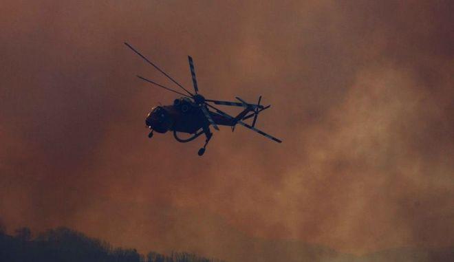 Φωτιά στην Κινέτα: Σε τρεις οικισμούς εισήλθε η πυρκαγιά-Απομακρύνονται οι κάτοικοι