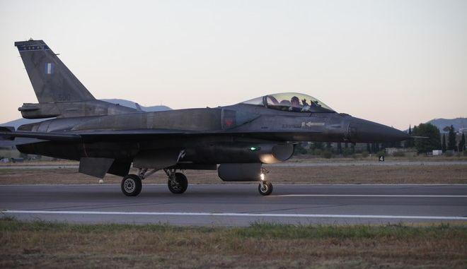"""ÔÁÍÁÃÑÁ """"ATHENS FLYING WEEK """" AIR SHOW F16 ZEUS (EUROKINISSI/ ÐÁÍÁÃÏÐÏÕËÏÓ ÃÉÁÍÍÇÓ)"""