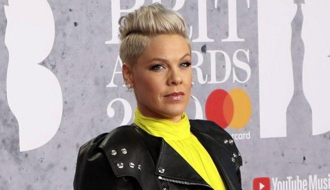 Η Pink ζήτησε να πληρώσει το πρόστιμο της γυναικείας Νορβηγικής ομάδας χάντμπολ