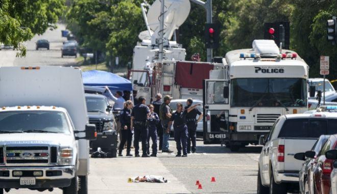 Καλιφόρνια: Σκότωσε την εν διαστάσει σύζυγό του και έναν μαθητή μέσα σε σχολείο και αυτοκτόνησε