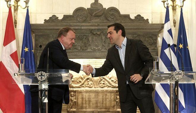 Ο πρωθυπουργός Αλέξης Τσίπρας και ο Δανός ομόλογός του Lars Løkke Rasmussen.
