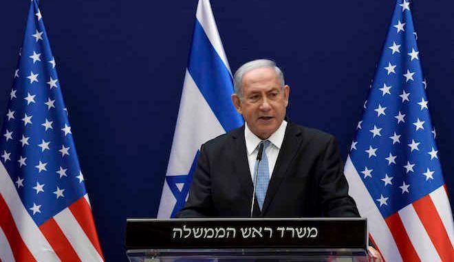 Ο Ισραηλινός πρωθυπουργός Μπέντζαμιν Νετανιάχου σε κοινές δηλώσεις Τύπου με τον σύμβουλο του Λευκού Οίκου Τζάρεντ Κούσνερ, στην Ιερουσαλήμ, 30 Αυγούστου 2020