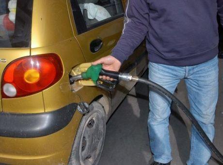 29490362355 Έφοδοι της Οικονομικής Αστυνομίας σε πρατήρια καυσίμων για 'μαύρα'