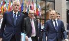 Ο επικεφαλής διαπραγματευτής της ΕΕ για το Brexit, Μισέλ Μπαρνιέ, ο πρόεδρος της Κομισιόν Ζαν Κλοντ Γιούνκερ και ο ομόλογός του του Ευρωπαϊκού Συμβουλίου, Ντόναλντ Τουσκ στις Βρυξέλλες
