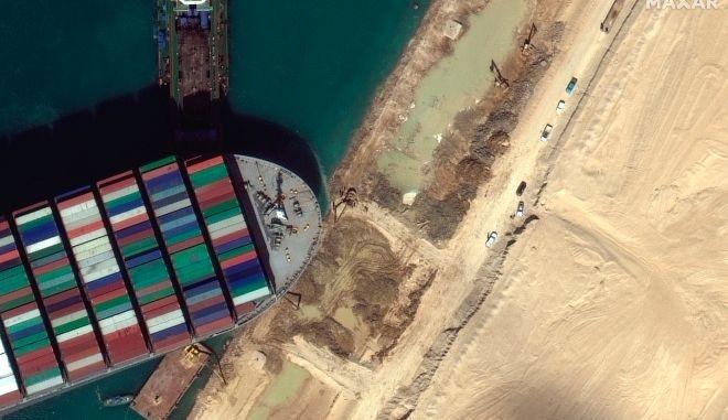 Διώρυγα Σουέζ: Δείτε live μέσω δορυφόρου πού βρίσκονται το Ever Given και τα εγκλωβισμένα πλοία