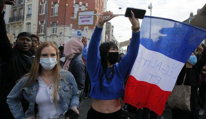 Διαδήλωση διαμαρτυρίας για τον Φλόιντ στη Γαλλία