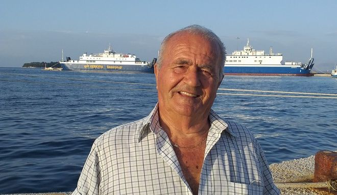 Νίκος Καρύδης