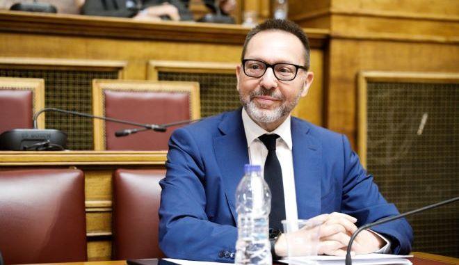 Ο Γιάννης Στουρνάρας, στην Βουλή