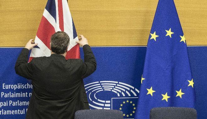 Πρόβα... Brexit θα κάνει επί έναν μήνα η Γαλλία