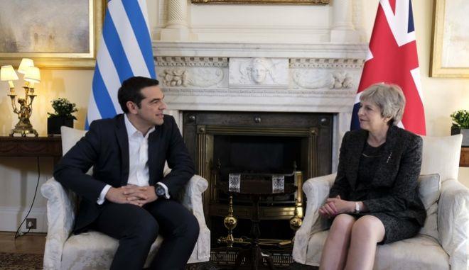 O πρωθυπουργός Αλέξη Τσίπρας κατά την τελευταία συνάντηση του με την Τερέζα Μέι στο Λονδίνο, την Τρίτη 26 Μαΐου 2018.