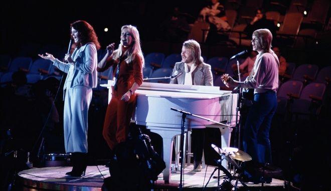 Στιγμιότυπο από συναυλία των ABBA το 1979 σε εκδήλωση στο περιθώριο της συνόδου των Ηνωμένων Εθνών