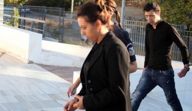 Οι κατηγορουμένοι για την υπόθεση της δολοφονίας και της εξαφάνισης του πτώματος της 4χρόνης Άννυ τον Απριλίο του 2015, ο πατέρας του κοριτσιού Στανισλάβ Μπακαρτζίεβ (γνωστός ως Σάββας), ο φίλος του Νασίφ Αχμέντοφ (Νικολάι) καθώς και η μητέρα του κοριτσιού Δημητρίνα Μπορίσοβα, οδηγούνται στο εδώλιο του Μικτού Ορκωτού Δικαστηρίου της Αθήνας την Τετάρτη 5 Οκτωβρίου 2016. (EUROKINISSI/ΣΤΕΛΙΟΣ ΜΙΣΙΝΑΣ)
