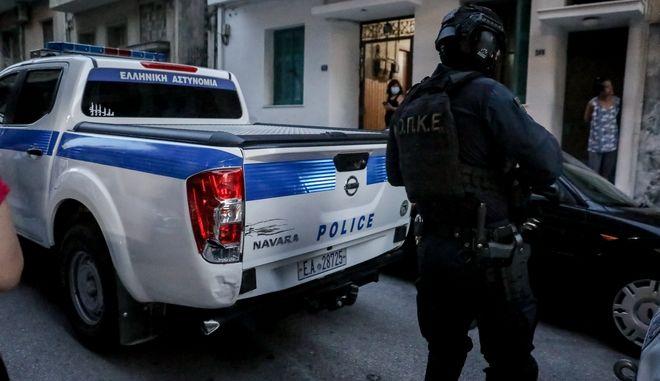 'Ερευνες της ΕΛ.ΑΣ. για τον βιασμό 50χρονης στα Πετράλωνα