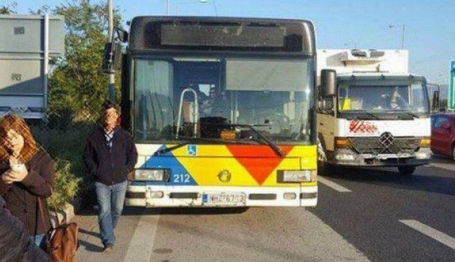 ΟΑΣΘ: Οδηγός παράτησε το λεωφορείο στη μέση του δρόμου