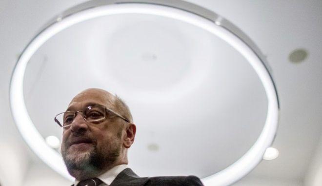 Πρόεδρος Νεολαίας SPD: Δεν θα ζητήσουμε παραίτηση Σουλτς